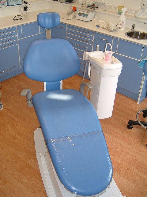 dentist's chair    http://mcconnellandwoolffamilydentistry.com/