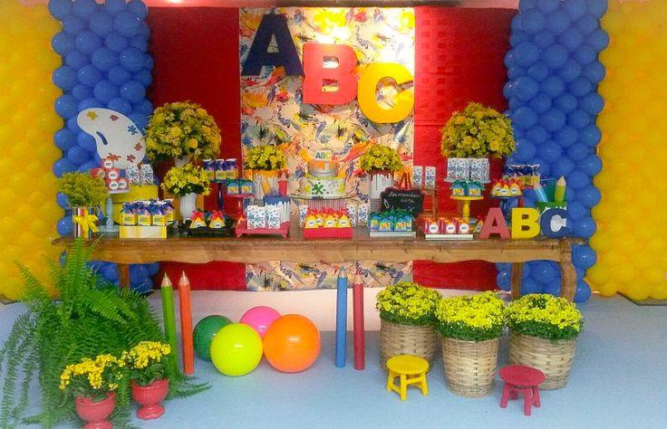 Formatura de ABC, tema cores e jardim