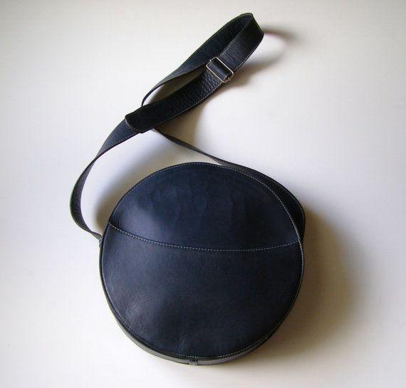 SAC BESACE ROND en Cuir Bleu - Sac Bandoulière -  Round Blue Leather Satchel Bag