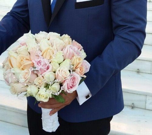 Νυφική #ανθοδέσμη  #νύφη #γάμος #τριαντάφυλλα #lesfleuristes