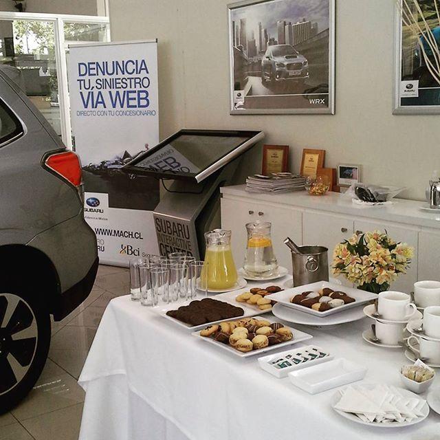 Hoy estamos muy viñamarinos y tuercas. Buen finde! #catering  #coffeebreak #viñadelmar #autos #cars #coffee #café #cafédegrano #viernes #banquetería