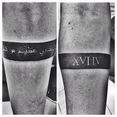 Faixa Preta com data romana e escrita árabe | Tatuagem.com (tatuagens, tattoo)