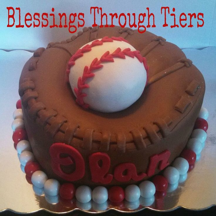 Baseball. Baseball cake. Baseball glove cake. Birthday cake. Boy birthday.