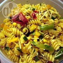 Salade de pâtes estivale épicée @ allrecipes.fr