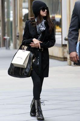 Peter Pilotto(ピーターピロット)ペプラムのセリーナ!Kelsi Dagger(ケルシダガー)トートバッグ!私服最新ファッション画像・セレーナ・ゴメス(Selena Gomez) - セレブカジュアルドットコム