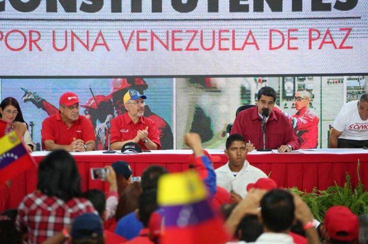 El presidente de Venezuela Nicolás Maduro manifestó hoy que apoya la decisión de sacar al opositor Leopoldo López de la cárcel y enviarlo a su casa para cumplir el resto de su condena de 14 años en arresto domiciliario. #Foto: Notimex