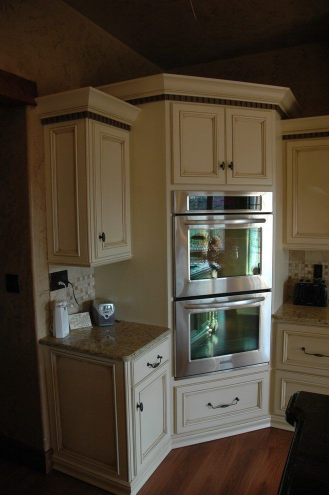 French Country Kitchen Designs: Corner Oven Kitchen Traditional With Built In Corner Oven