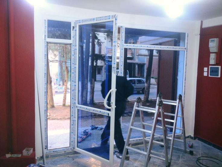 1000 ideas about porte fenetre coulissante on pinterest fen tres coulissan - Porte de placard vitree ...