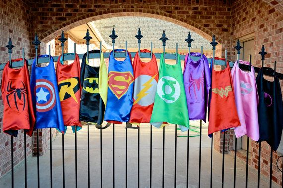 Party Pack 12 SATIN CAPES Superhero capes Star by baileysblossoms