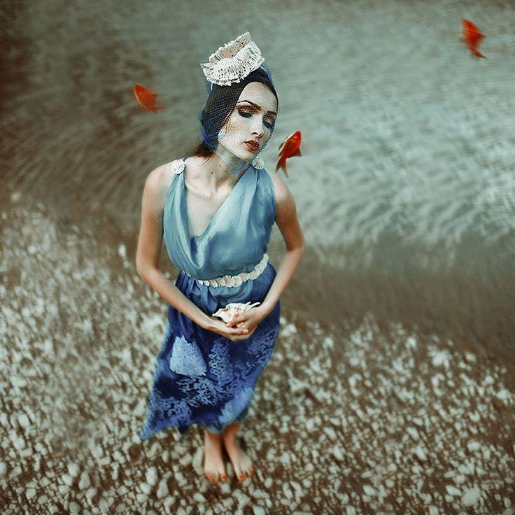 coral reef Designer : Prodan Ramona-Claudia Model : Viviana Sposub