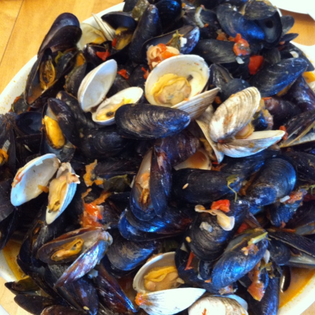 Mussels & Clams in white wine sauce