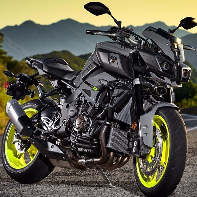 Yamaha Fz-10, would want green or blue rims tho