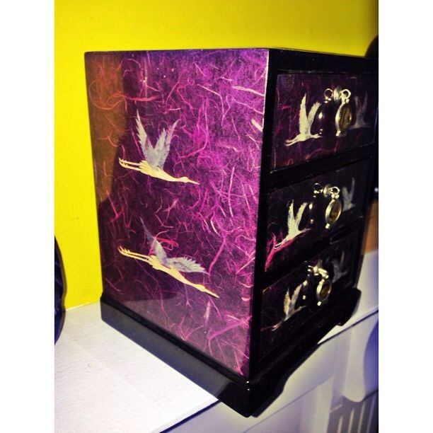 Korean paper tissue and mother of pearl swans lacquered chest of drawer jewellery box