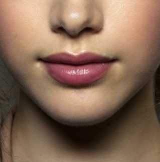 mauve lipstick with highlighter around the lips | Makeup ...