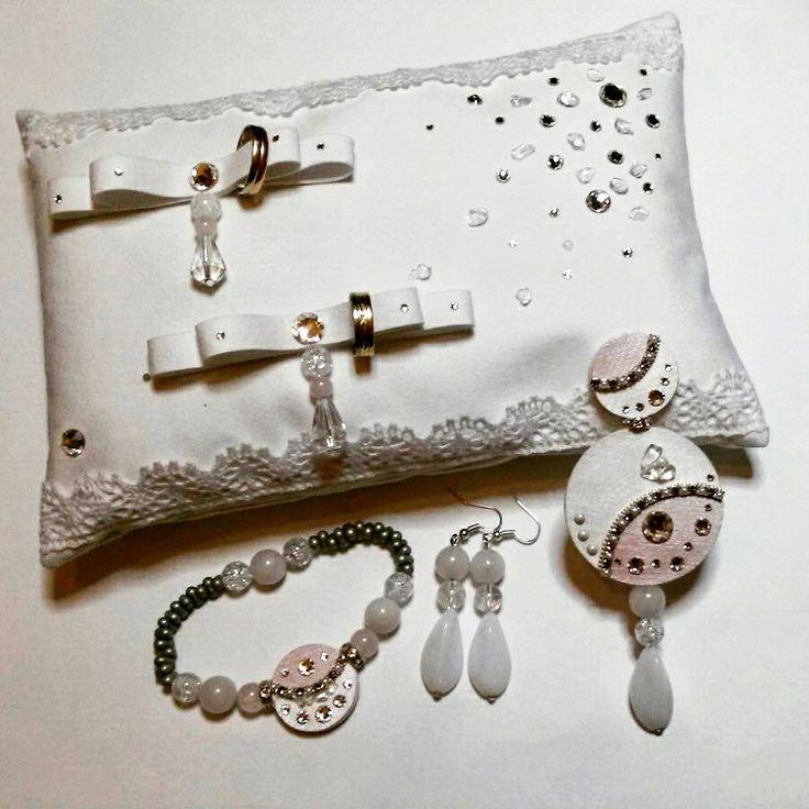 wedding set, svatebni souprava #wedding#pillow#brooch#braclet#earrings#swarovski#mineral#alcantara#fabric leather#elegance#original