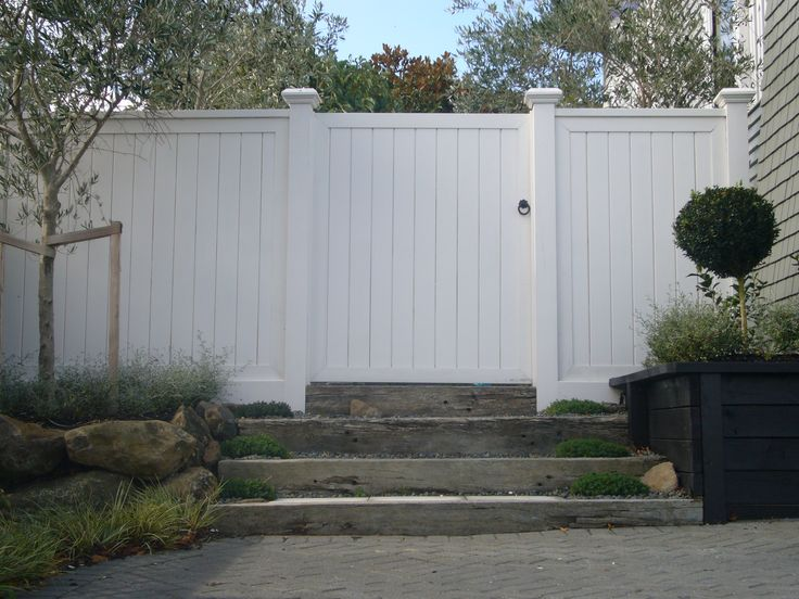 Lifestyle Fences - DIY Fences - Trellis Gates - Archways - Furniture - Pergolas - Contractors - Fences