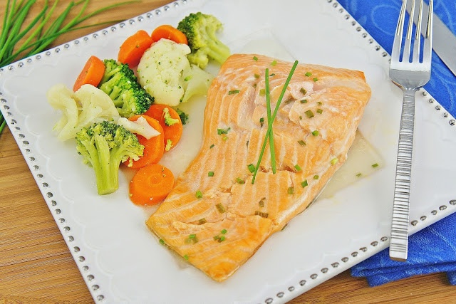 Roasted Salmon with White Wine Sauce | Foodie | Pinterest | White ...
