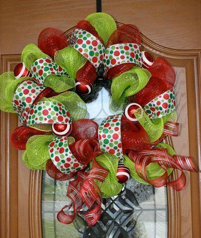 Mesh Christmas Wreaths   Christmas Mesh Wreath / christmas xmas ideas - Juxtapost