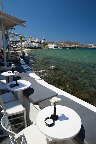 Terraza de un  restaurante, Pequeña Venecia, Mykonos Town o Chora, Mykonos, Cícladas, Grecia, Europa