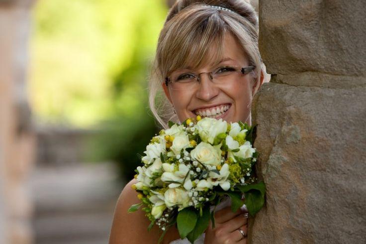 Trucco per spose con occhiali: imparate a valorizzare il vostro sguardo!