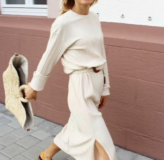 Sommer Outfit Inspiration | All White und Korbtasche | weißer Rock und Pullover | Summer-Look #ootd #fashion #inspiration #mode #summer