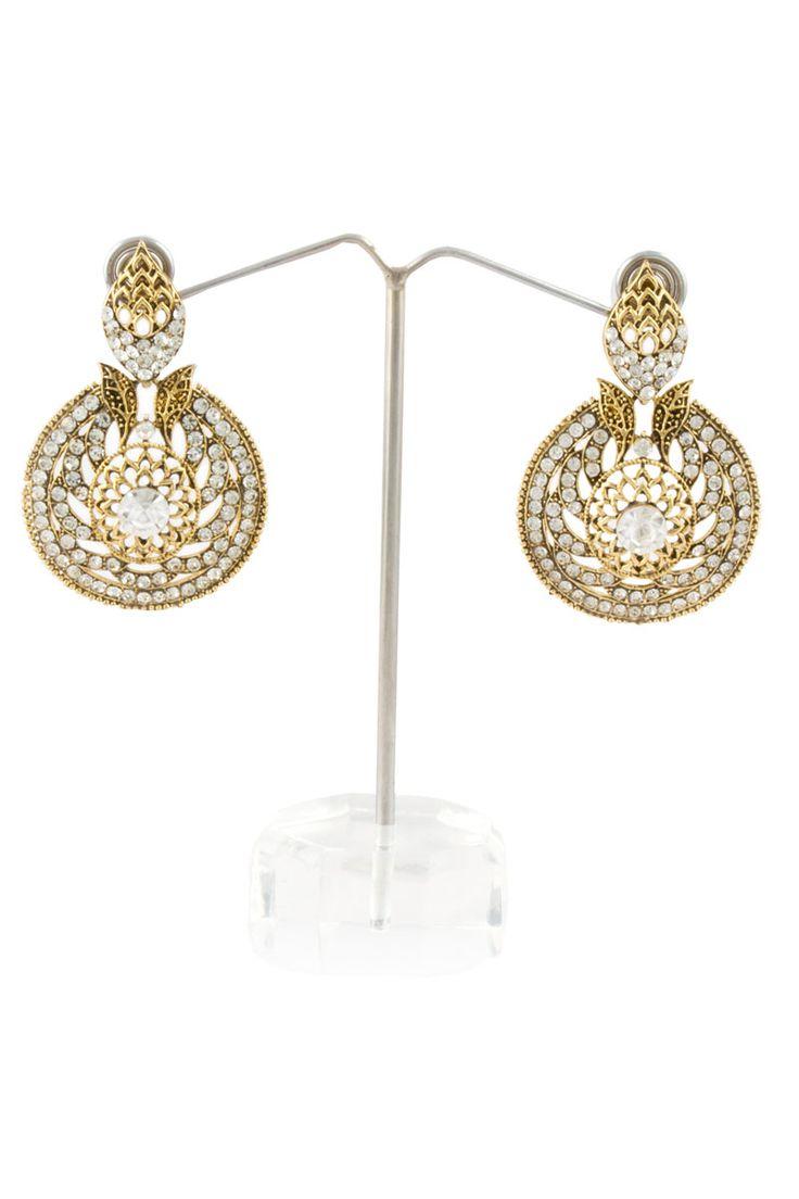 Or oreilles en cristal clouté Prix:-12,73 € Boucles d'oreilles en cristal clouté Jhumka http://www.andaazfashion.fr/golden-crystal-studded-earrings-80530.html