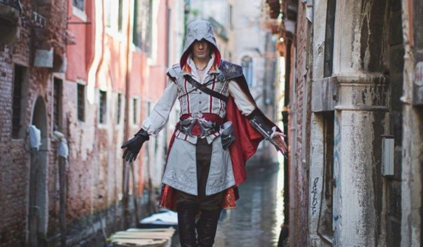 This Guy Just Took Assassin's Creed Cosplay To The Next Level [Video]