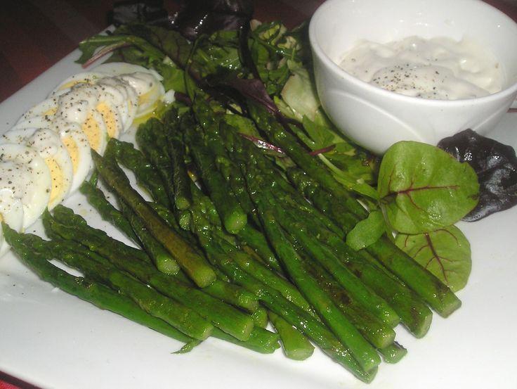 Grilled Green Asparagus / Garlic Mayonnaise /
