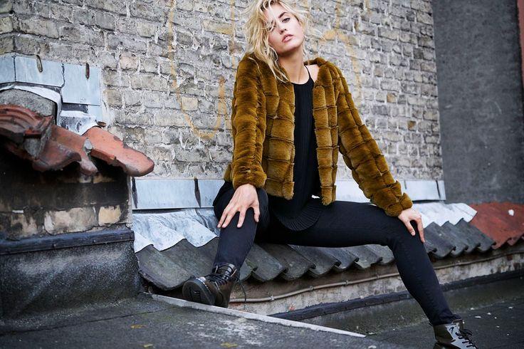 Freja fake fur coat // Pulz Jeans ♡