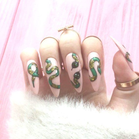 halloween nails, snake nails, Fake nails, Nail design ...