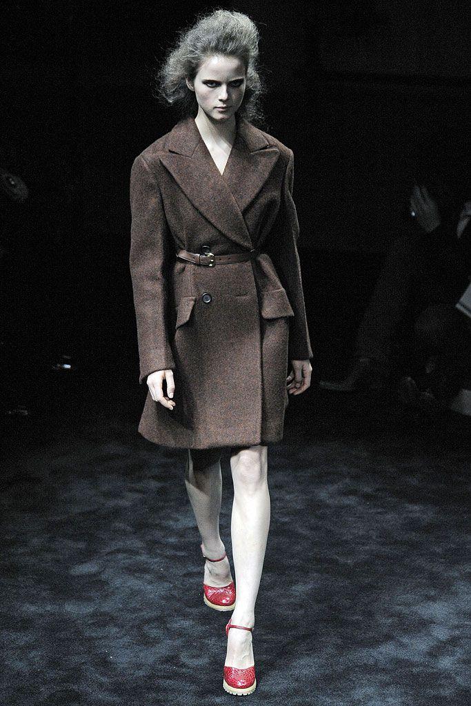 Prada - Fall 2009 Ready-to-Wear - Look 2 of 41