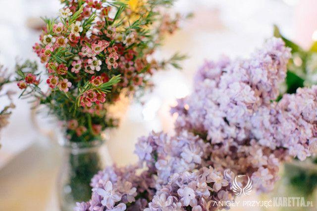 Lilac Wedding,Centerpieces | Wesele z bzem,Kompozycje kwiatowe,Anioły Przyjęć