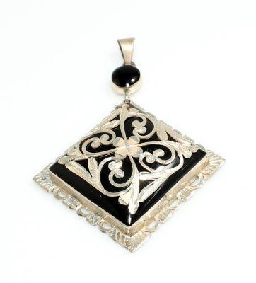 925 Ayar Gümüş Dikdörtgen Çerçeveli Oltu Taşı Desenli Kolye Ucu