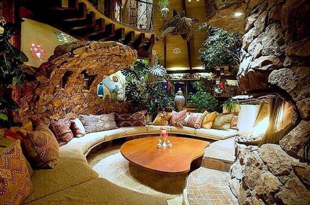 Грибной дом внутри