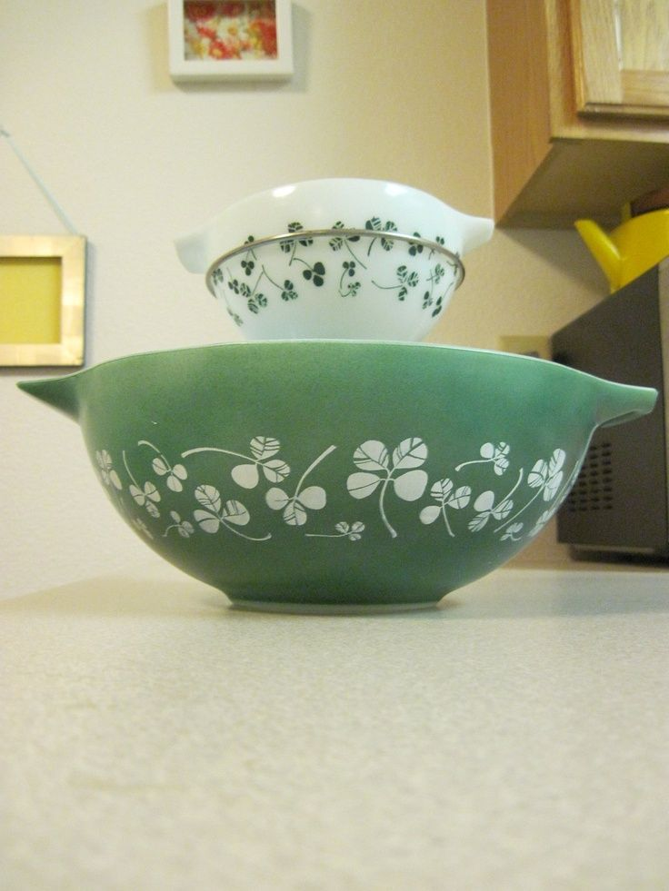 Love these shamrock green Pyrex bowls