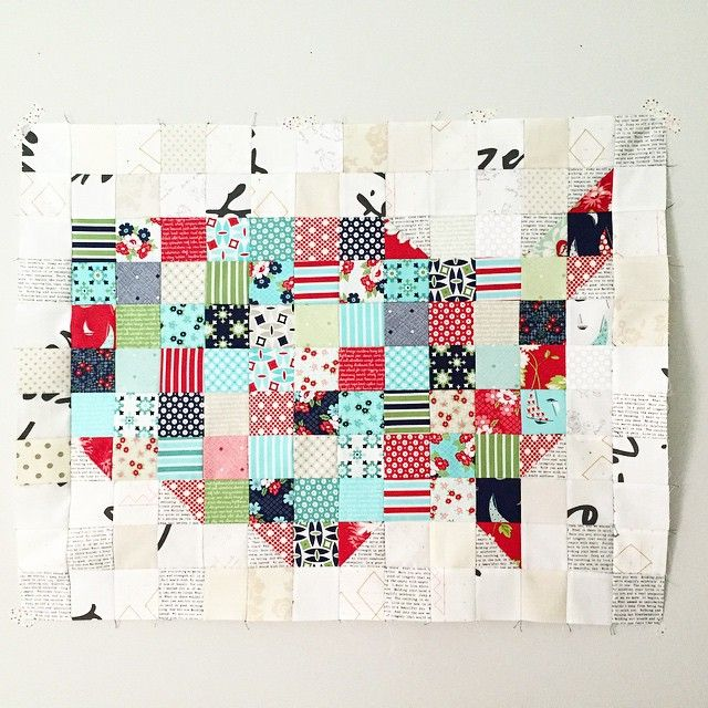 Mini USA quilt top done with a few mini charm packs of Daysail. Fun little…