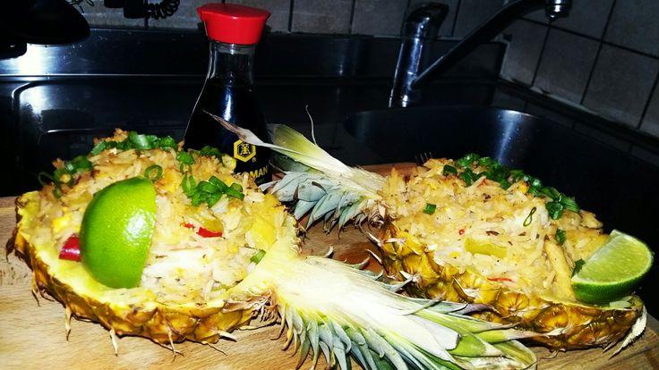 Жареный рис с креветками, куриным филе и ананасом  https://youtu.be/7Krn5N0kwSM