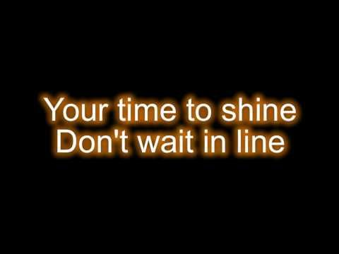 Please subscribe to http://youtube.com/mauhli for the newest lyrics video's. She made this video ! =)