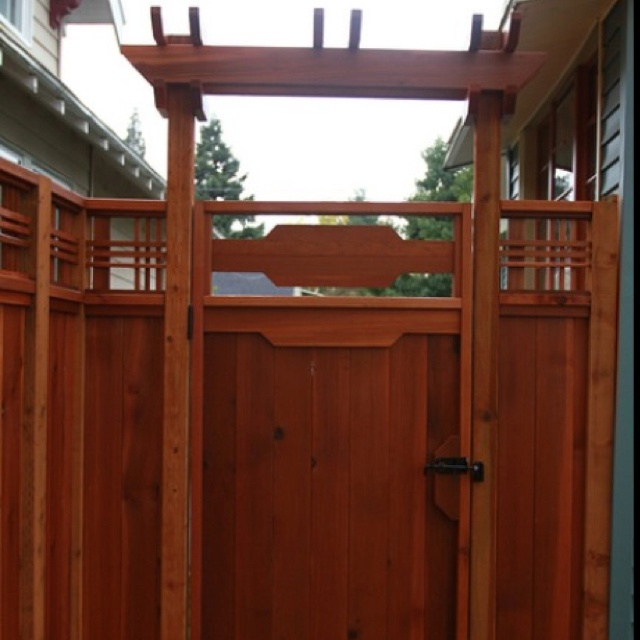 24 best fence and retaining wall ideas images on pinterest for Craftsman style trellis