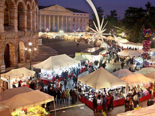 Banchetti di Santa Lucia in Piazza Bra a Verona dal 10 al 13 Dicembre 2014