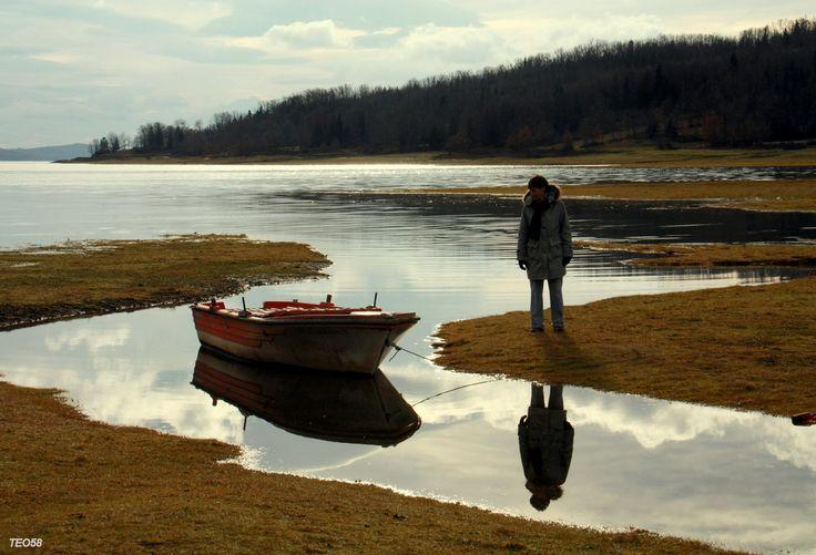 https://flic.kr/p/7vV52d | Playing reflections | Plastira lake, Karditsa, Greece