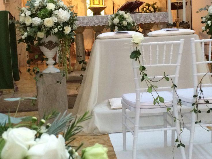 Particolare delle sedie. Addobbo Chiesa by Profumo di fiori