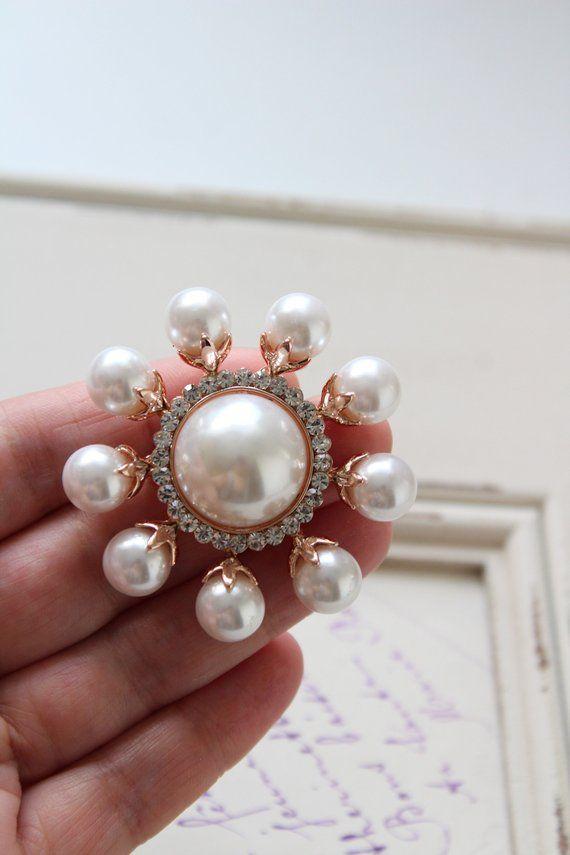 6122d9262a5 Rose gold Crystal Pearl Brooch Wedding Brooch Bridal dress brooch  Rhinestone brooch Bouquet brooch Vintage style Crystal brooch in 2019 | Art  Deco Wedding ...
