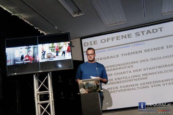 #Bilder vom #Wochenende beim #Elevate-#Festival #Graz 2013 - 26.-27. Oktober 2013 - Tag 4 und 5. Unsere Fotos zeigen die #Performance von #clipping im #Dungeon, #Stellar #OM #Source im #Tunnel und #Magic #Mountain #High im #Dom #im #Berg. Zum Abschluss ging der #Elevate #Artivism #Award an #HOAM:ART, der Elevate #Steiermark Award an #Open #BioLabGraz und schließlich der #International Elevate Award an das #Refugee #Protest #Camp #Vienna.