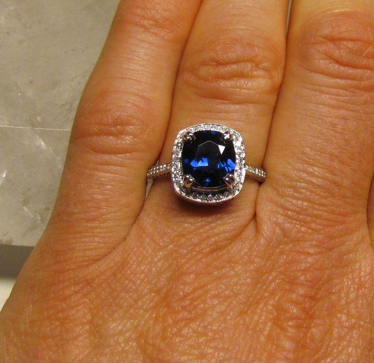 Square Halo Ring Saphire