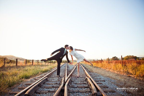 Such a great shot! #weddings    photo by Austin & Dara Photography