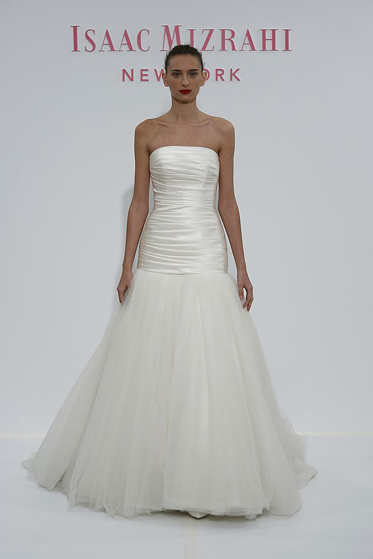 Die besten 25  Isaac mizrahi wedding gowns Ideen auf Pinterest ...