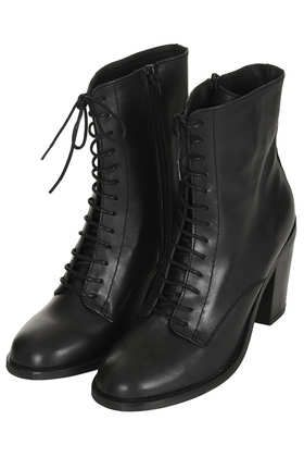 Lace Up Witch Boots....cute & comfy for the upcoming autumn <3