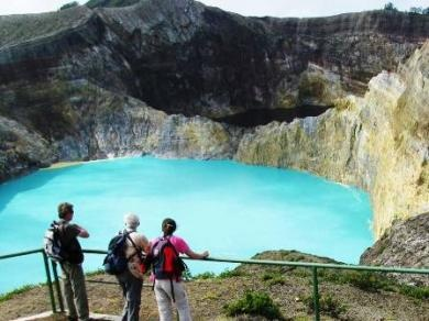 Kelimutu Lake (Danau Tiga Warna - Three Colours Lake), Nusa Tenggara Timur, Indonesia.
