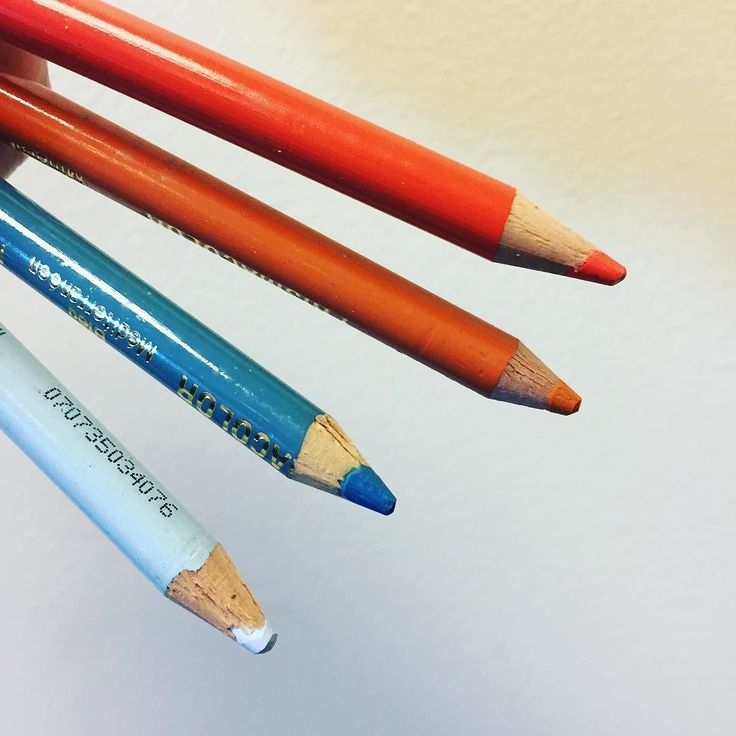 Today's color inspiration is brought to you by orange & blue. A pair of complimentary colors - opposite colors on a color wheel than when used next to one another appear more vibrant & bright  . #color #art #artlife #artlove #choosejoy  #colorsplash #colortheory #prismacolor #studiolife #studioscenes #colorwonderful #popsurrealism #create  #originalart #colorinspuration #creativityfound #livecolorfully #contemporaryart  #fineart #design #contemporaryartist #toolsofthetrade #whimsical…